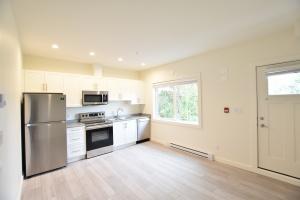 2211-2215 James White Blvd, Victoria, V8L 1Z5, 1 Bedroom Bedrooms, ,1 BathroomBathrooms,Apartment,Residential,James White Blvd,2063