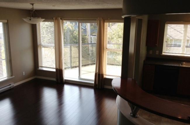 908 Brock Ave, Victoria, V9B 3C6, 3 Bedrooms Bedrooms, ,2 BathroomsBathrooms,Condo,Residential,Brock Ave,1159