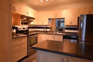 3363 Glasgow Ave, Victoria, V8X 1M5, 2 Bedrooms Bedrooms, ,2 BathroomsBathrooms,Condo,Residential,Glasgow Ave ,1662